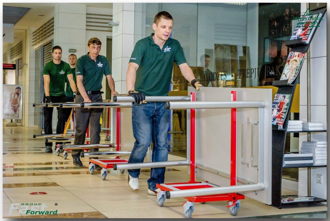 Multi Trolley ratiņi ir ērts, ergonomisks risinājums, lai atvieglotu nešanas procesu.